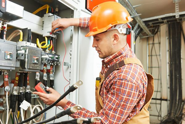 Melbourne Emergency Electricians - Servicing all commercial and industry clients - 24 hours a day