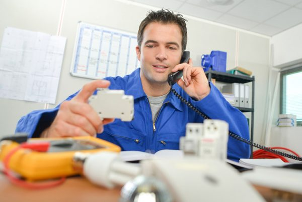 Melbourne Emergency Electricians - Servicing all home and domestic clients - Always available, Always ready.